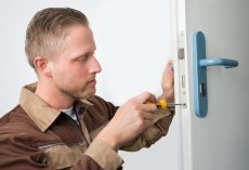 4 Essential Skills of a Professional Locksmith