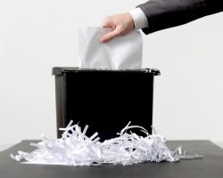 4 Business Vulnerabilities of Improper Paper Shredding