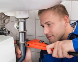 5 Plumbing Tips for the DIY Homeowner