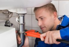 5 Plumbing Tips for the DIY Homeowner