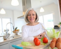 7 Tips in a Healthy Diet for 65 Year Old Woman